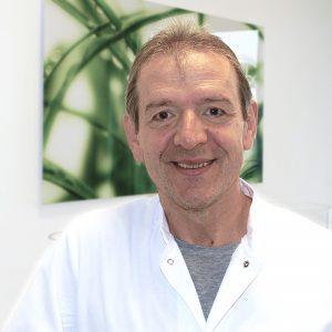 D. Thomas, Zahntechniker